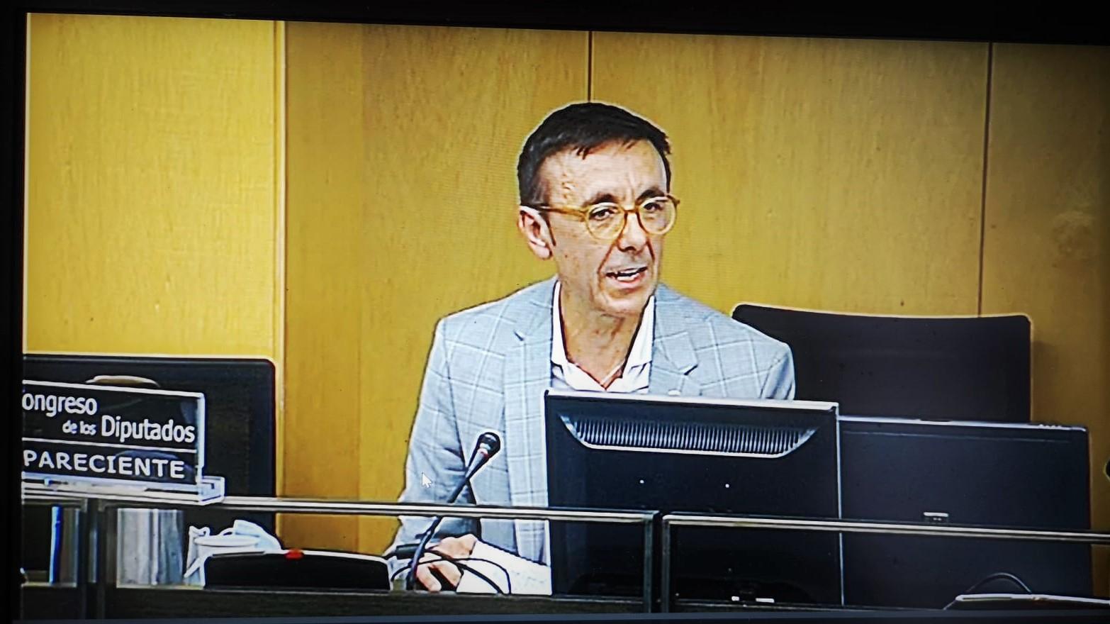 José Hidalgo, la voz del deporte español en la Mesa de Reconstrucción del Congreso