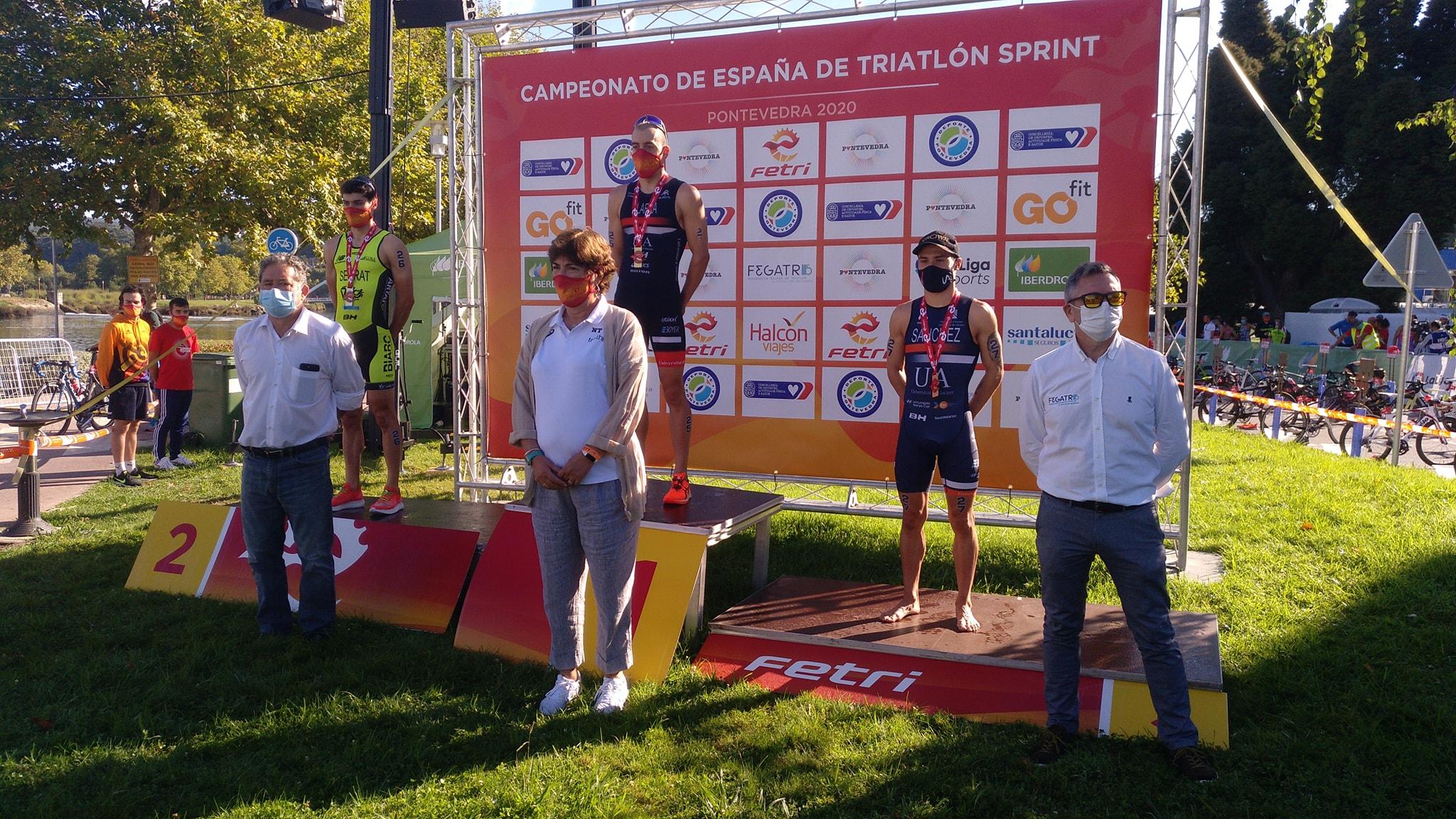 Anna Godoy y Fernando Alarza, campeones de España de Triatlón Sprint en Pontevedra