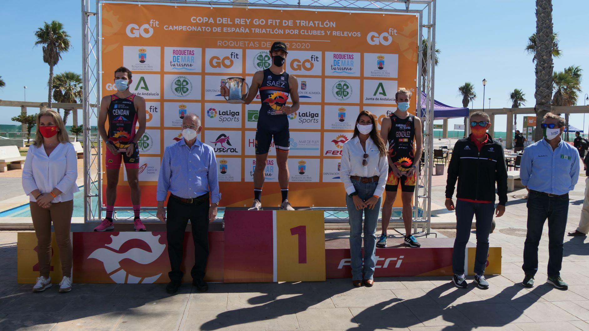 Universidad de Alicante gana la Copa del Rey GO fit de Triatlón en Roquetas de Mar