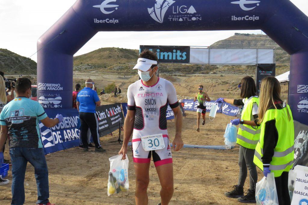 Brillante retorno de las competiciones de triatlón en Aragón