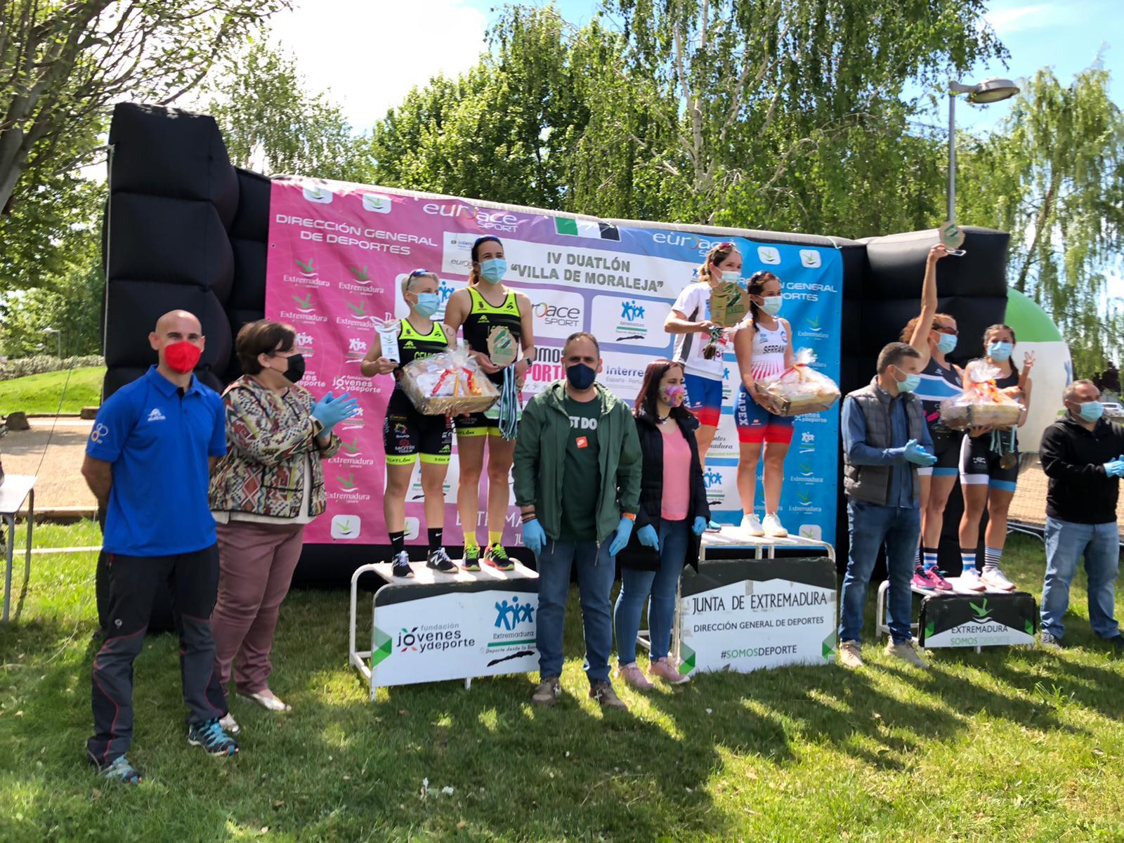 Triatlón Pacense y Capex Triatlón campeones de Extremadura por equipos