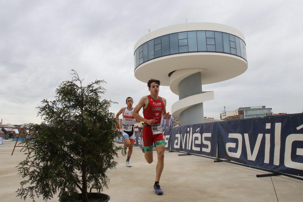 852 deportistas compitieron en la primera jornada del Campeonato de España de Duatlón Avilés 2021