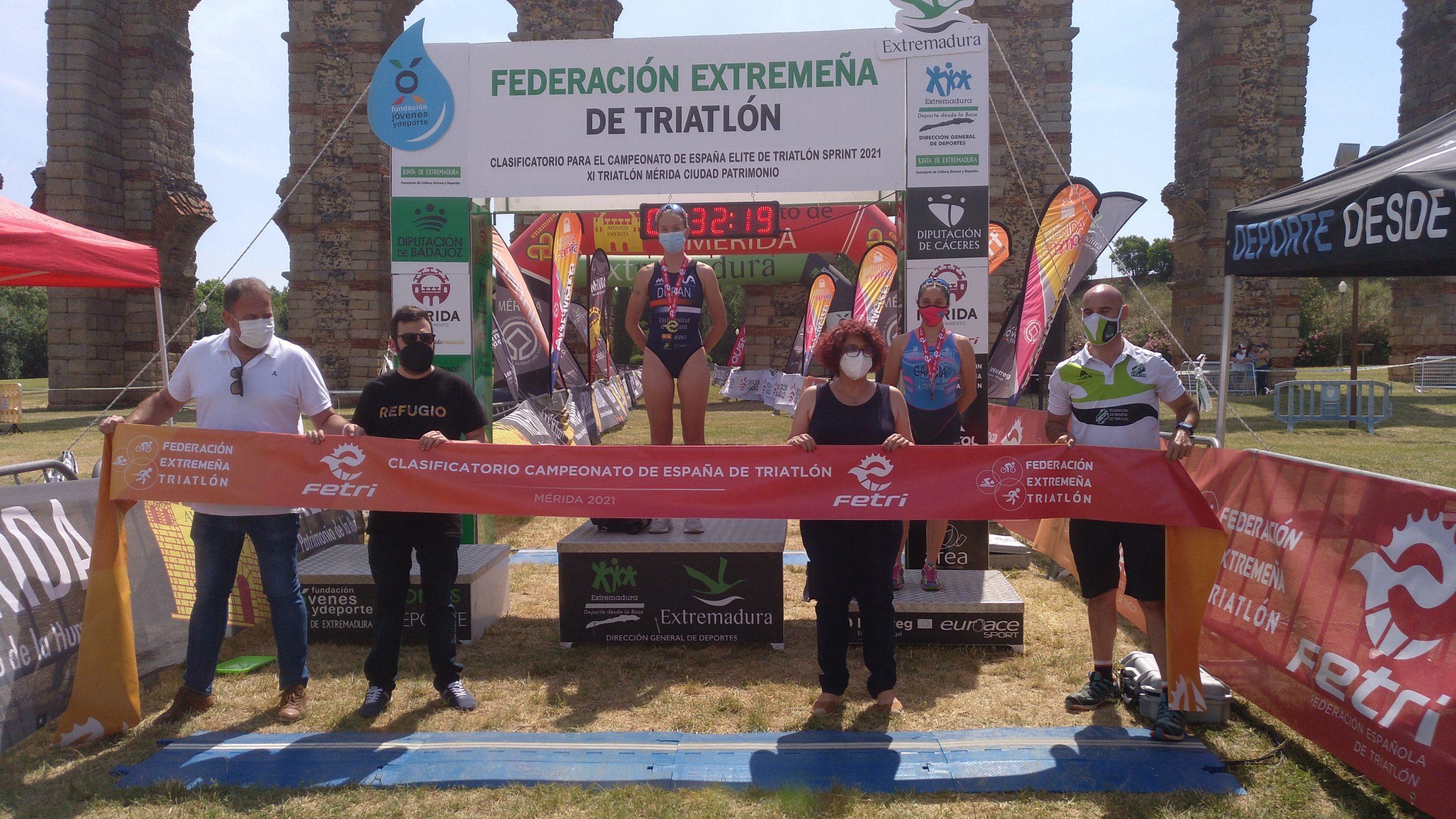 Ander Noain y Laura Durán ganan el XI Triatlón Ciudad de Mérida, primer clasificatorio para el Campeonato de España Sprint
