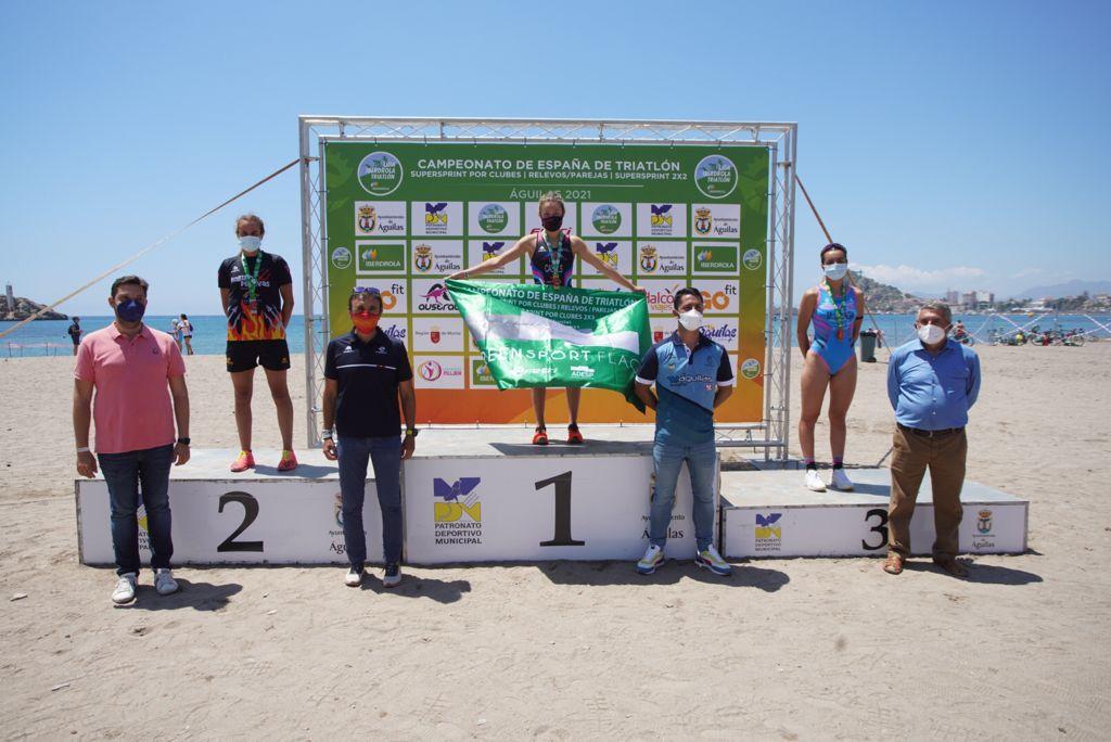 Cidade de Lugo Fluvial redondea un fin de semana de éxitos en Águilas con los títulos masculino y femenino de Triatlón SuperSprint por Clubes 2×2