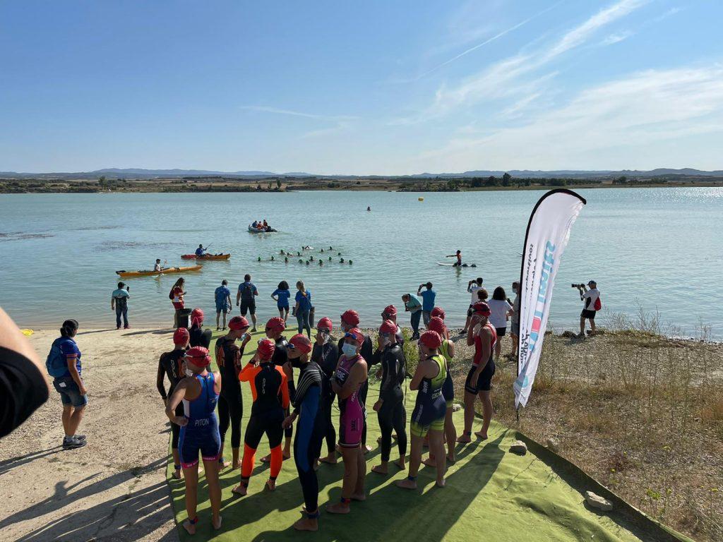 Alejandro García y Claudia Esteban se adjudican el I Triatlón Supersprint de Biota en Aragón